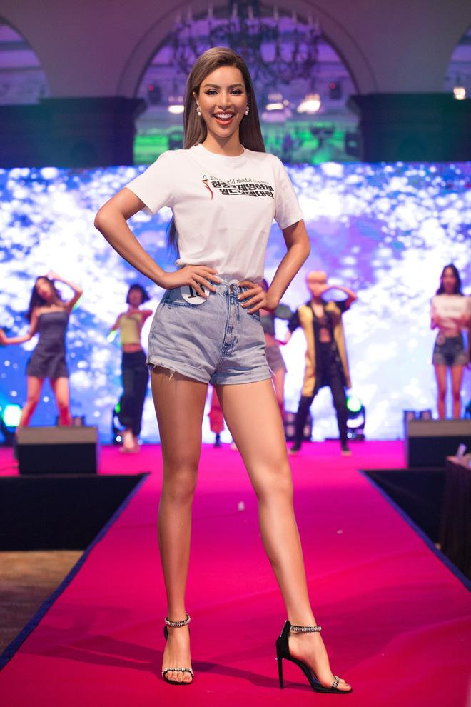 Khả Trang khoe sắc vóc chuẩn siêu mẫu tại Hàn, nhận được vinh dự mà nhiều mỹ nhân mơ ước - ảnh 9