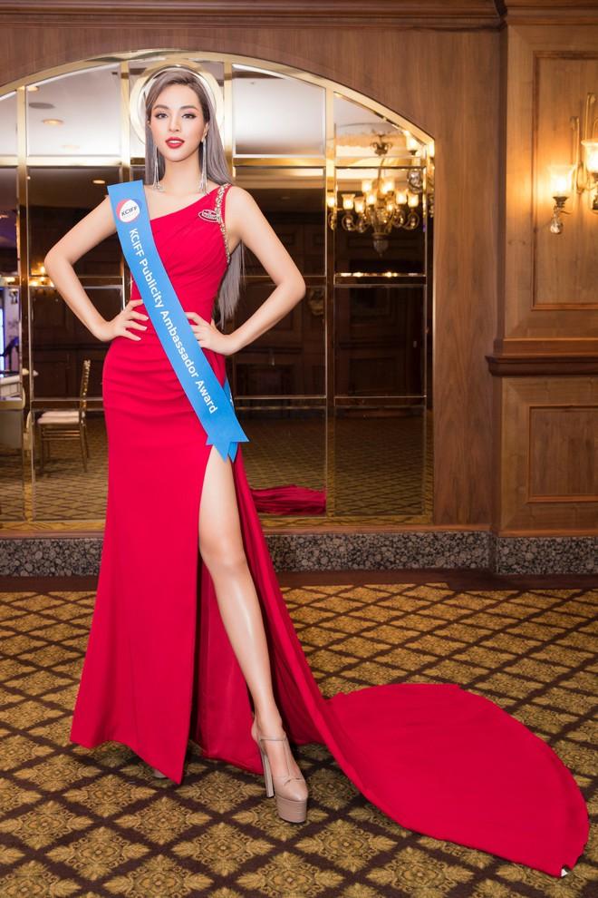 Khả Trang khoe sắc vóc chuẩn siêu mẫu tại Hàn, nhận được vinh dự mà nhiều mỹ nhân mơ ước - ảnh 1