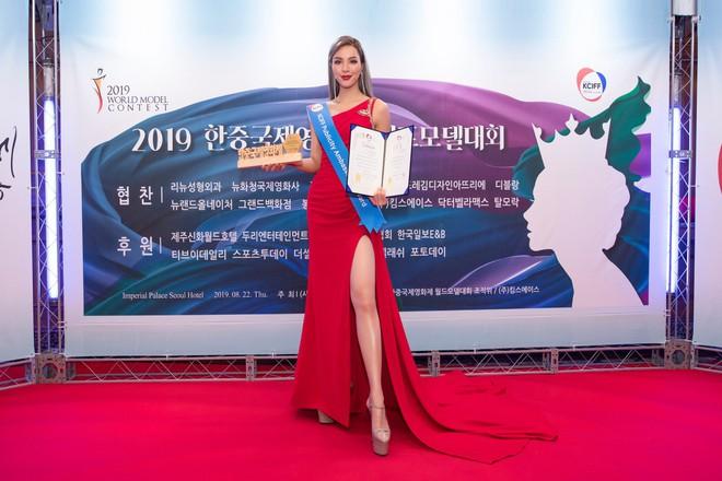 Khả Trang khoe sắc vóc chuẩn siêu mẫu tại Hàn, nhận được vinh dự mà nhiều mỹ nhân mơ ước - ảnh 6