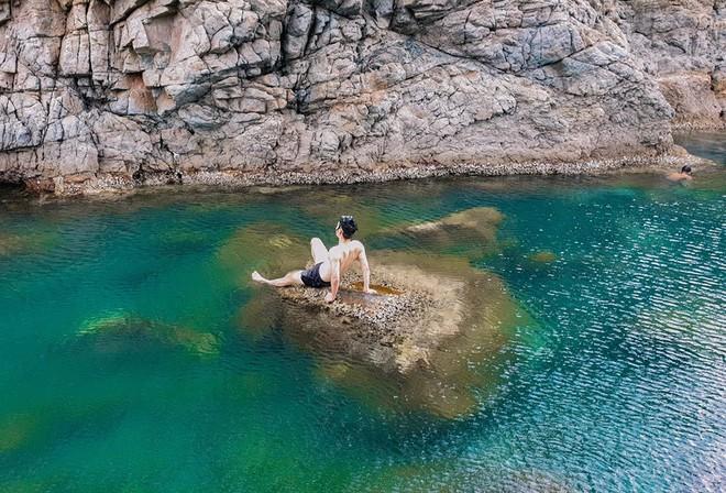 """Đà Nẵng xuất hiện hồ bơi giữa biển đẹp y hệt nước ngoài, dân tình xôn xao: """"Lại sắp bị phá tan tành cho xem!"""" - ảnh 16"""