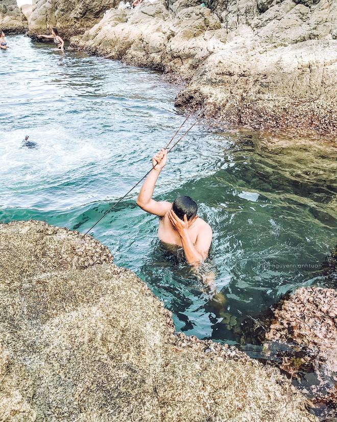 """Đà Nẵng xuất hiện hồ bơi giữa biển đẹp y hệt nước ngoài, dân tình xôn xao: """"Lại sắp bị phá tan tành cho xem!"""" - ảnh 21"""