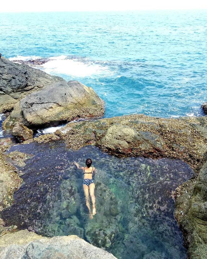 """Đà Nẵng xuất hiện hồ bơi giữa biển đẹp y hệt nước ngoài, dân tình xôn xao: """"Lại sắp bị phá tan tành cho xem!"""" - ảnh 4"""