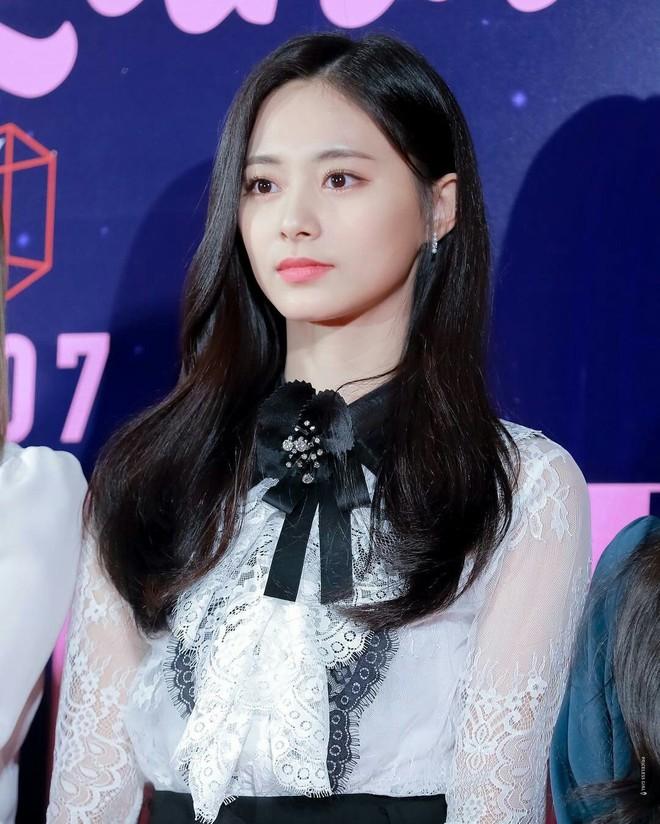 Netizen chọn ra 2 nữ thần nhan sắc đứng đầu thế hệ thứ 3: Chỉ có SM và JYP, nghìn năm có một, ai nhỉnh hơn? - ảnh 14