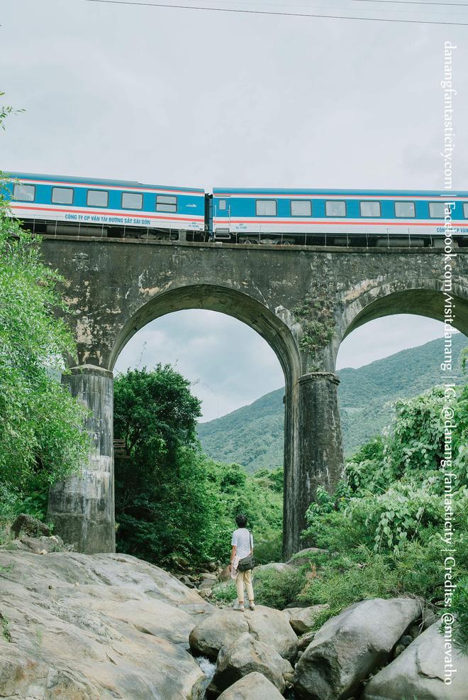 """Hot nhất Đà Nẵng hiện tại chính là """"cổng trời"""" mới toanh dưới chân đèo Hải Vân, nơi có đoàn tàu qua núi đẹp hệt trong phim - ảnh 22"""