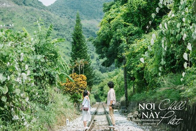 """Hot nhất Đà Nẵng hiện tại chính là """"cổng trời"""" mới toanh dưới chân đèo Hải Vân, nơi có đoàn tàu qua núi đẹp hệt trong phim - ảnh 7"""