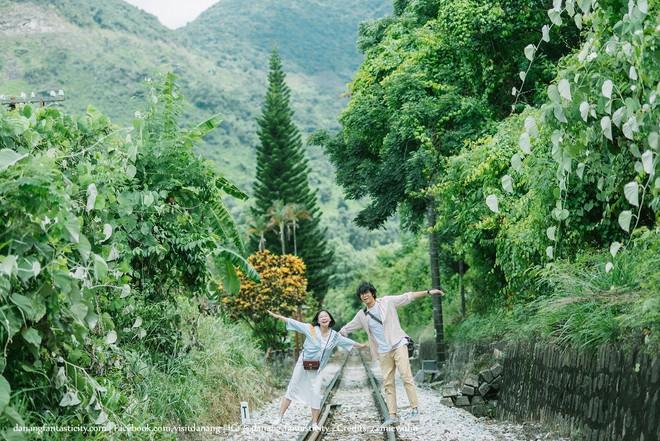 """Hot nhất Đà Nẵng hiện tại chính là """"cổng trời"""" mới toanh dưới chân đèo Hải Vân, nơi có đoàn tàu qua núi đẹp hệt trong phim - ảnh 9"""