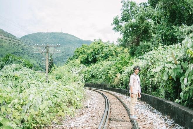 """Hot nhất Đà Nẵng hiện tại chính là """"cổng trời"""" mới toanh dưới chân đèo Hải Vân, nơi có đoàn tàu qua núi đẹp hệt trong phim - ảnh 11"""