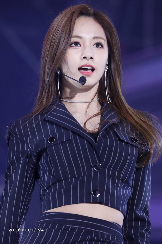 Netizen chọn ra 2 nữ thần nhan sắc đứng đầu thế hệ thứ 3: Chỉ có SM và JYP, nghìn năm có một, ai nhỉnh hơn? - ảnh 19