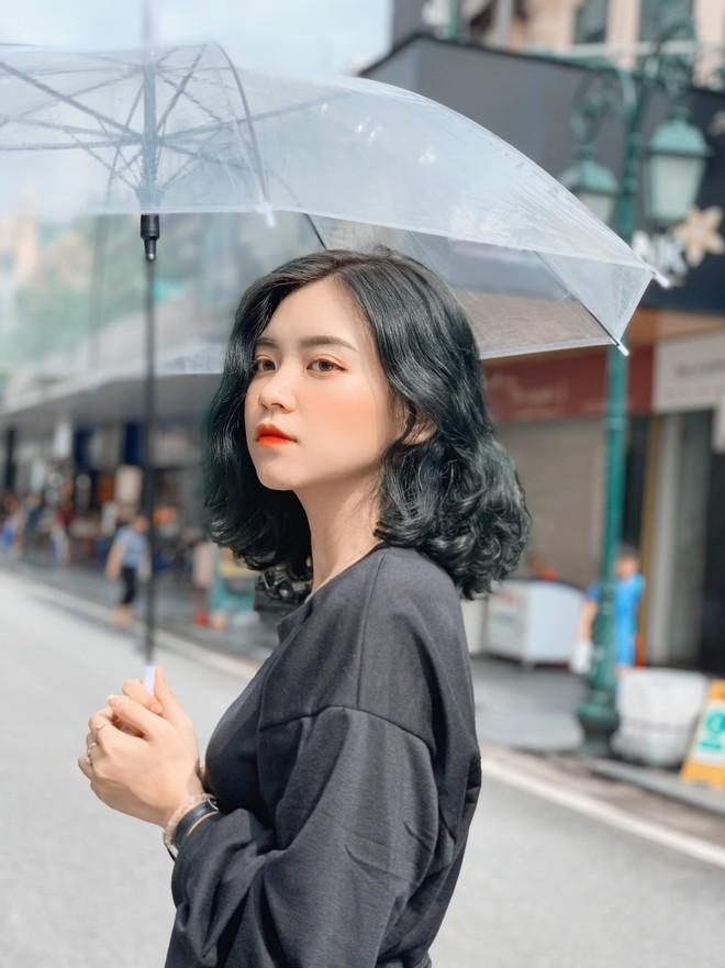 Nữ sinh trường con nhà giàu ở Hà Nội được truy lùng chỉ vì một nụ cười toả sáng, biết profile chi tiết càng nể phục hơn - ảnh 11
