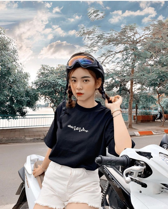 Nữ sinh trường con nhà giàu ở Hà Nội được truy lùng chỉ vì một nụ cười toả sáng, biết profile chi tiết càng nể phục hơn - ảnh 8
