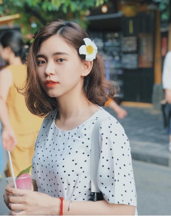 Nữ sinh trường con nhà giàu ở Hà Nội được truy lùng chỉ vì một nụ cười toả sáng, biết profile chi tiết càng nể phục hơn - ảnh 5