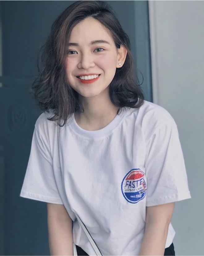 Nữ sinh trường con nhà giàu ở Hà Nội được truy lùng chỉ vì một nụ cười toả sáng, biết profile chi tiết càng nể phục hơn - ảnh 15
