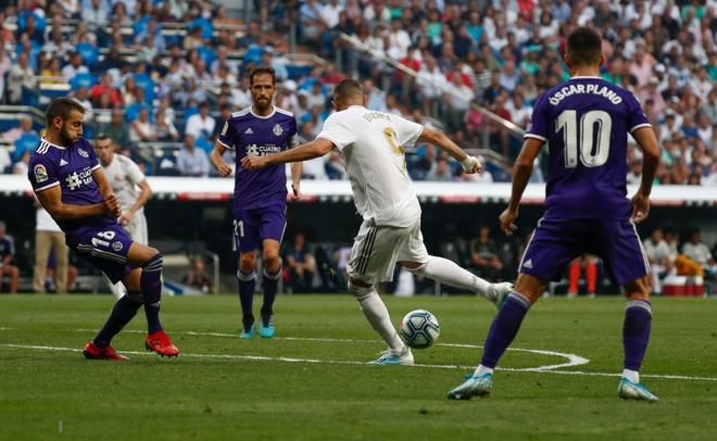 Benzema lập siêu phẩm, Real Madrid vẫn đánh rơi chiến thắng ở phút cuối - Ảnh 9.