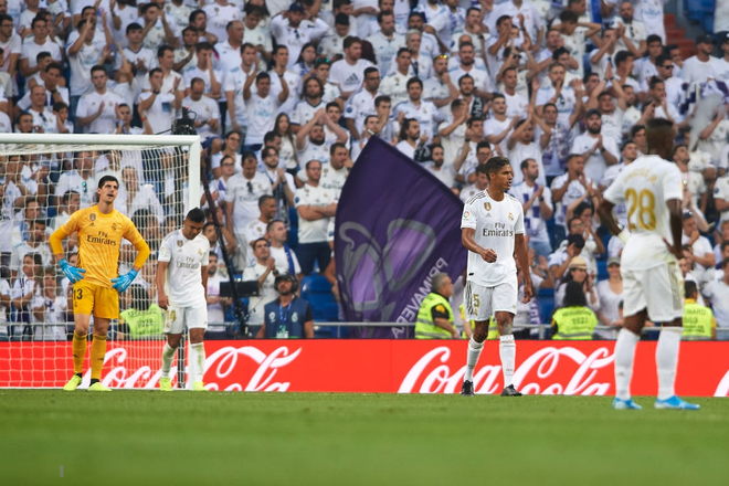 Benzema lập siêu phẩm, Real Madrid vẫn đánh rơi chiến thắng ở phút cuối - Ảnh 12.