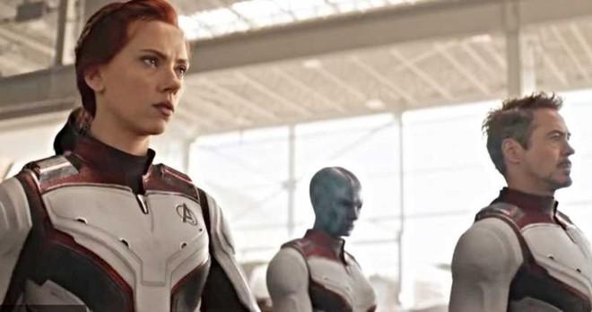Ngỡ ngàng bộ suit mới của Black Widow: Hẳn stylist của Marvel hơi mù màu, Góa Phụ Đen mặc đồ trắng là sao? - Ảnh 6.