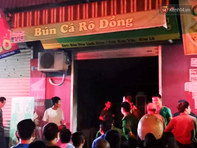 Cháy kiot chân toà nhà, hàng trăm người dân chung cư Kim Văn - Kim Lũ hoảng hốt tháo chạy - ảnh 1