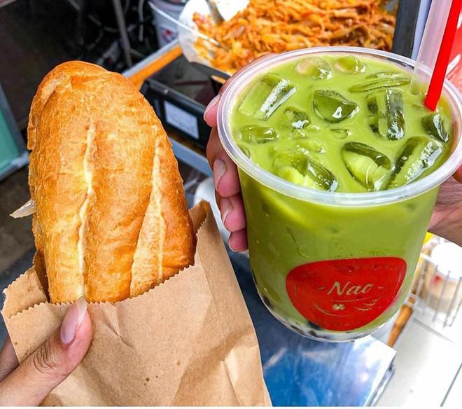 HOT: Bánh mì dân tổ đã xuất hiện tại Sài Gòn, thử nhanh trước khi lại phải xếp hàng dài cả kilomet như Hà Nội đó! - Ảnh 4.