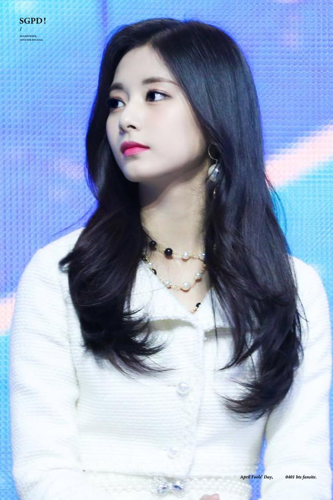 Netizen chọn ra 2 nữ thần nhan sắc đứng đầu thế hệ thứ 3: Chỉ có SM và JYP, nghìn năm có một, ai nhỉnh hơn? - ảnh 22