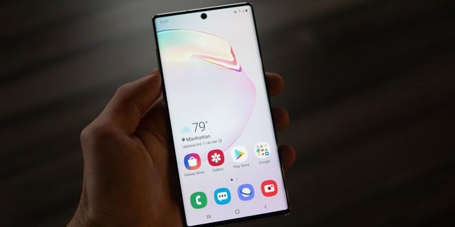 Có màn hình xịn sò, sắc nét nhưng tại sao độ phân giải mặc định trên smartphone Samsung lại thấp? - ảnh 1