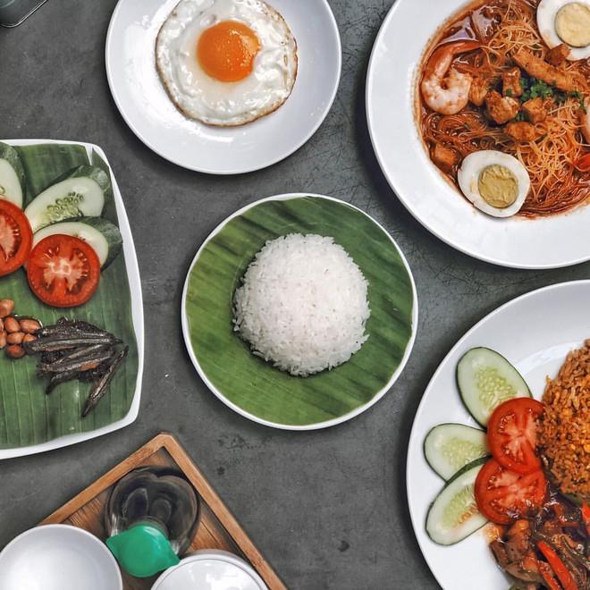 Học ngay những kiểu chụp ảnh đồ ăn chuẩn food blogger này để một người ăn nhưng cả friend list cùng ngon miệng - Ảnh 3.
