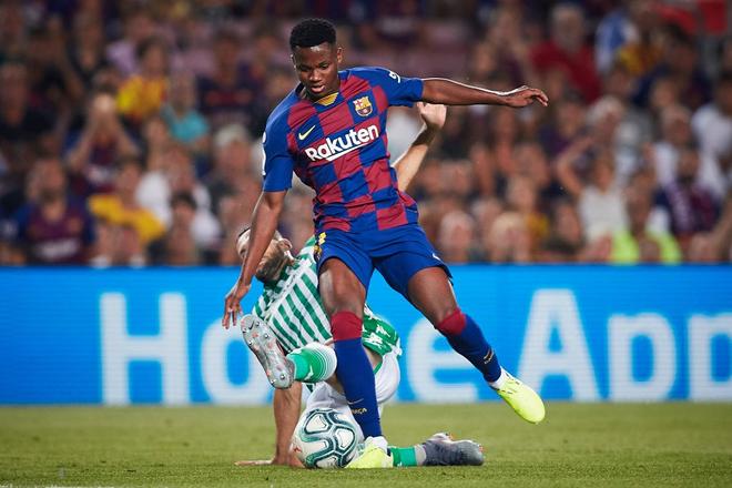 Messi phấn khích ra mặt khi chứng kiến người đóng thế mình lập cú đúp giải cứu Barca - ảnh 8