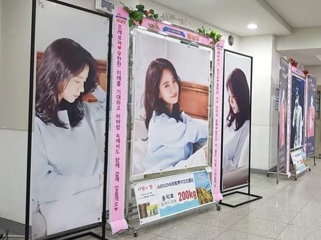 Running Man lần đầu làm fanmeeting tại Hàn Quốc nhưng Song Ji Hyo lại bị đối xử bất công? - ảnh 9