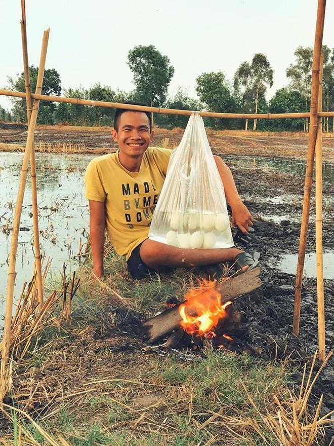 5 kênh du lịch - ẩm thực hot nhất miền Tây: Khoai Lang Thang sắp đạt nút vàng, một YouTuber trẻ tuổi khác đã làm được điều đó từ lâu - ảnh 39