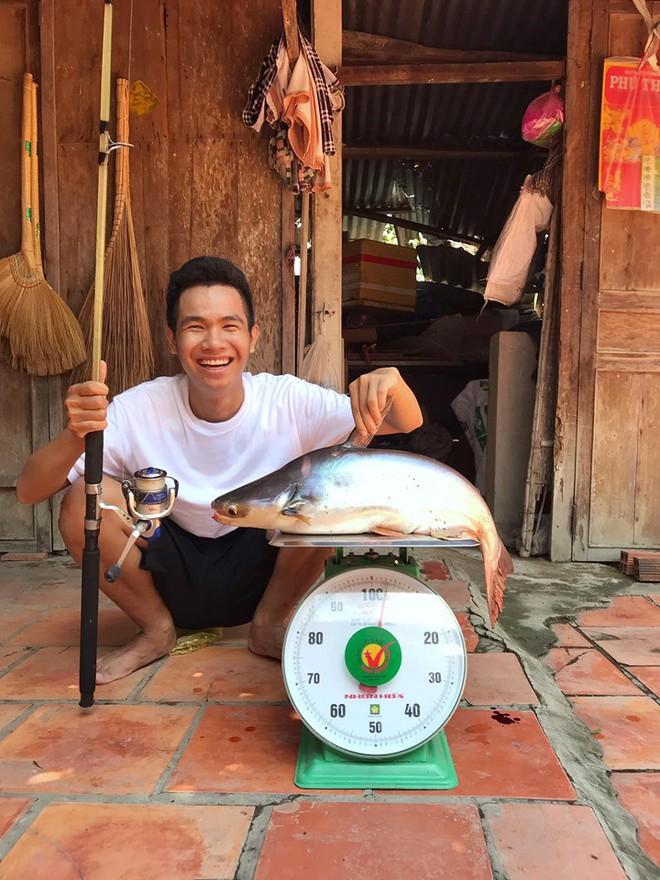 5 kênh du lịch - ẩm thực hot nhất miền Tây: Khoai Lang Thang sắp đạt nút vàng, một YouTuber trẻ tuổi khác đã làm được điều đó từ lâu - ảnh 37