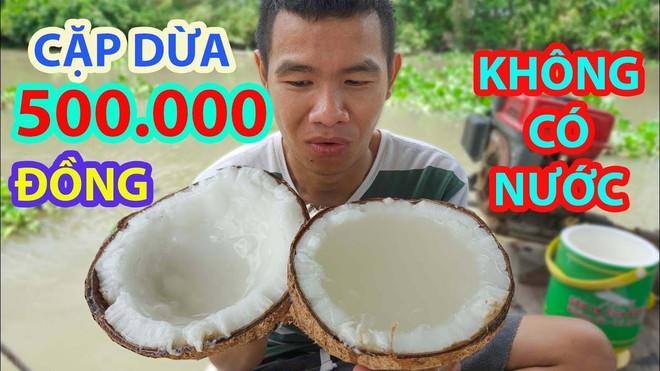 5 kênh du lịch - ẩm thực hot nhất miền Tây: Khoai Lang Thang sắp đạt nút vàng, một YouTuber trẻ tuổi khác đã làm được điều đó từ lâu - ảnh 35