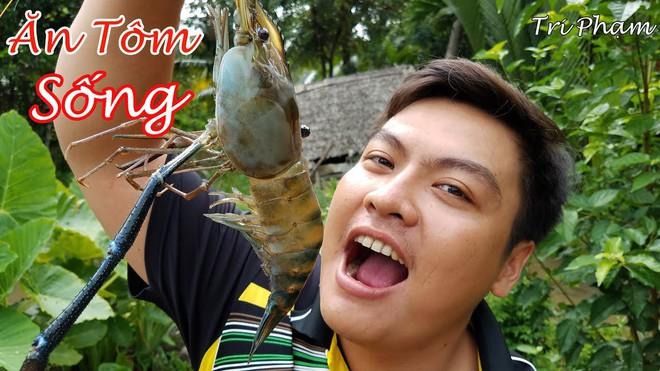 5 kênh du lịch - ẩm thực hot nhất miền Tây: Khoai Lang Thang sắp đạt nút vàng, một YouTuber trẻ tuổi khác đã làm được điều đó từ lâu - ảnh 47