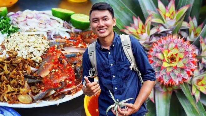 5 kênh du lịch - ẩm thực hot nhất miền Tây: Khoai Lang Thang sắp đạt nút vàng, một YouTuber trẻ tuổi khác đã làm được điều đó từ lâu - ảnh 13