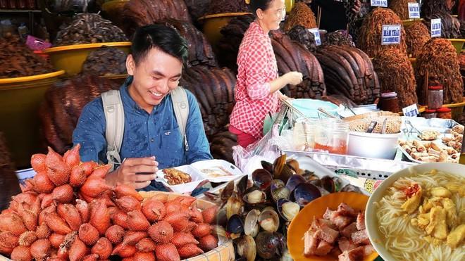 5 kênh du lịch - ẩm thực hot nhất miền Tây: Khoai Lang Thang sắp đạt nút vàng, một YouTuber trẻ tuổi khác đã làm được điều đó từ lâu - ảnh 17
