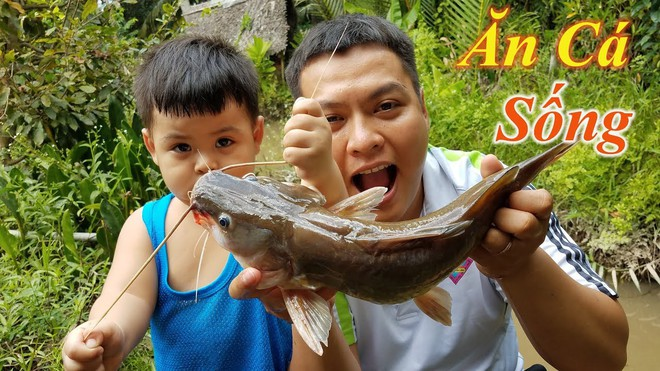 5 kênh du lịch - ẩm thực hot nhất miền Tây: Khoai Lang Thang sắp đạt nút vàng, một YouTuber trẻ tuổi khác đã làm được điều đó từ lâu - ảnh 54