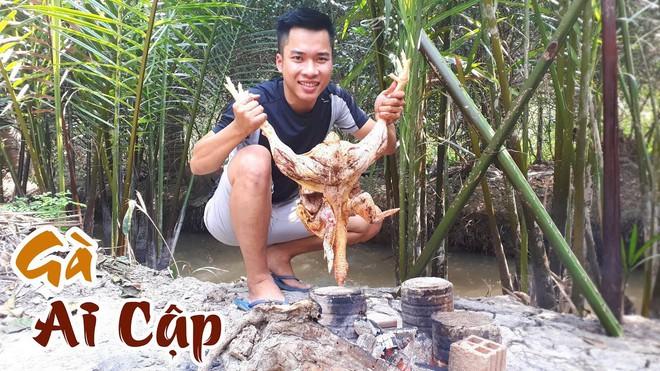5 kênh du lịch - ẩm thực hot nhất miền Tây: Khoai Lang Thang sắp đạt nút vàng, một YouTuber trẻ tuổi khác đã làm được điều đó từ lâu - ảnh 60