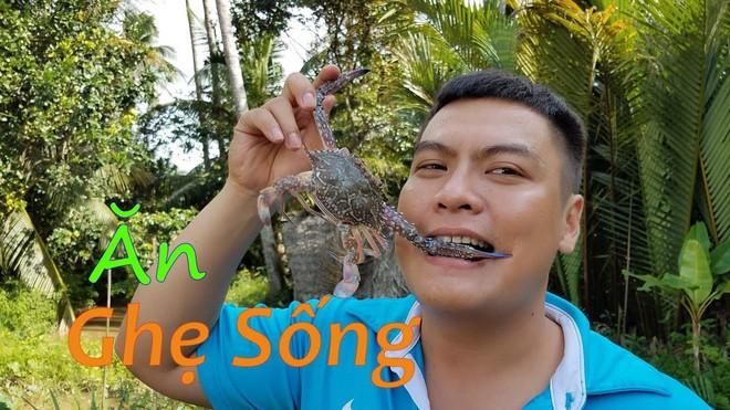 5 kênh du lịch - ẩm thực hot nhất miền Tây: Khoai Lang Thang sắp đạt nút vàng, một YouTuber trẻ tuổi khác đã làm được điều đó từ lâu - ảnh 52