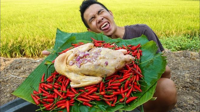 5 kênh du lịch - ẩm thực hot nhất miền Tây: Khoai Lang Thang sắp đạt nút vàng, một YouTuber trẻ tuổi khác đã làm được điều đó từ lâu - ảnh 34