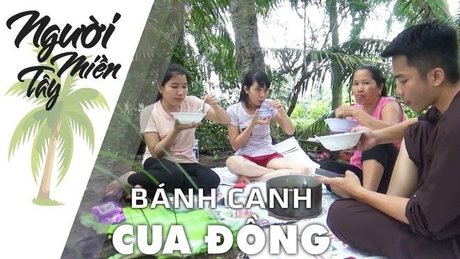 5 kênh du lịch - ẩm thực hot nhất miền Tây: Khoai Lang Thang sắp đạt nút vàng, một YouTuber trẻ tuổi khác đã làm được điều đó từ lâu - ảnh 57