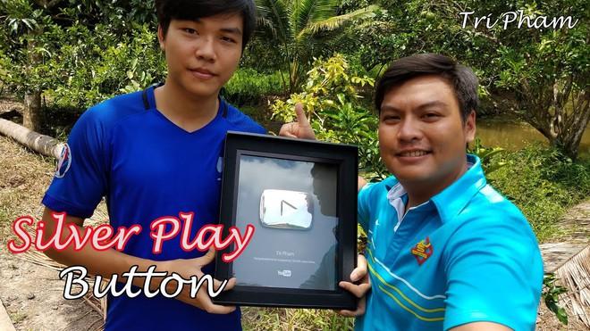 5 kênh du lịch - ẩm thực hot nhất miền Tây: Khoai Lang Thang sắp đạt nút vàng, một YouTuber trẻ tuổi khác đã làm được điều đó từ lâu - ảnh 46