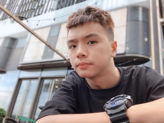 5 kênh du lịch - ẩm thực hot nhất miền Tây: Khoai Lang Thang sắp đạt nút vàng, một YouTuber trẻ tuổi khác đã làm được điều đó từ lâu - ảnh 19