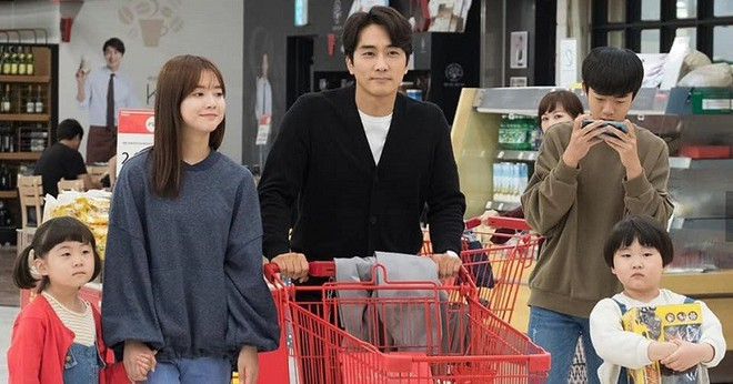 The Great Show: Phim chính trị nhưng không hack não vì được xem Song Seung Hun lắm múi tấu hài mỗi ngày - Ảnh 10.