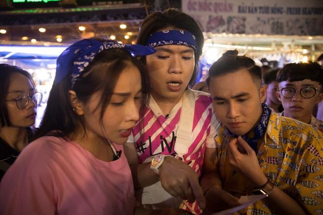Thủy Tiên, Ngô Kiến Huy, Huỳnh Lập... ca hát, bán hàng, làm náo loạn chợ đêm Phú Quốc - ảnh 5