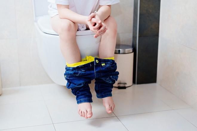 Đường ruột của bạn đang gặp vấn đề nếu thấy xuất hiện một trong những triệu chứng sau - Ảnh 2.