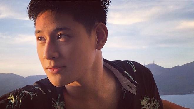 Chàng trai đa tài của Học viện Ngoại giao Việt Nam yêu du lịch, thích khám phá và ước mơ trở thành tiếp viên hàng không - Ảnh 1.