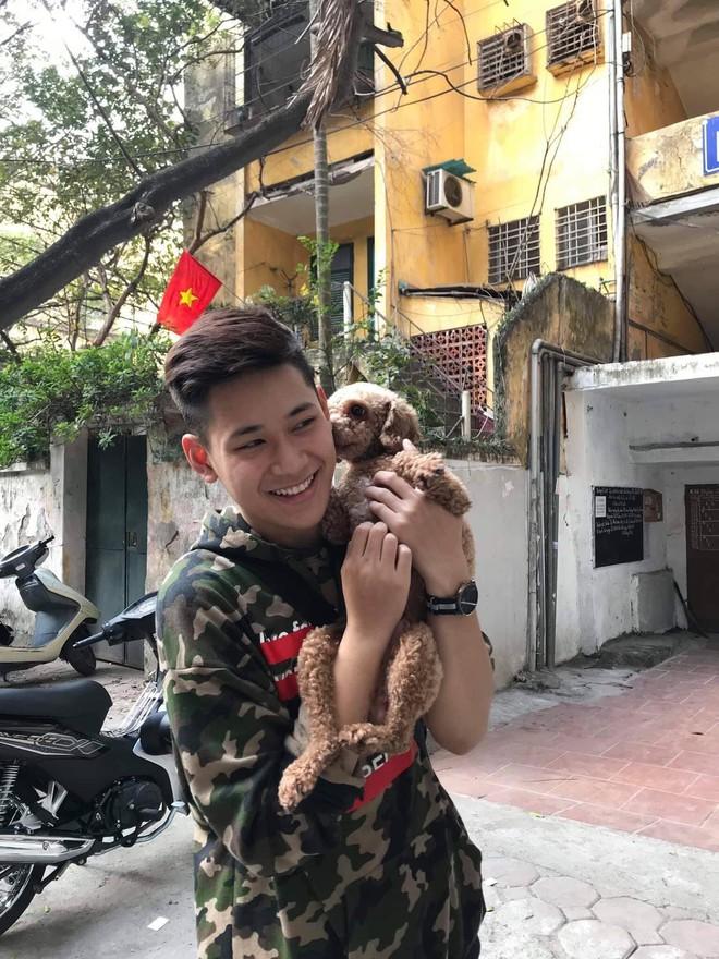 Chàng trai đa tài của Học viện Ngoại giao Việt Nam yêu du lịch, thích khám phá và ước mơ trở thành tiếp viên hàng không - Ảnh 2.