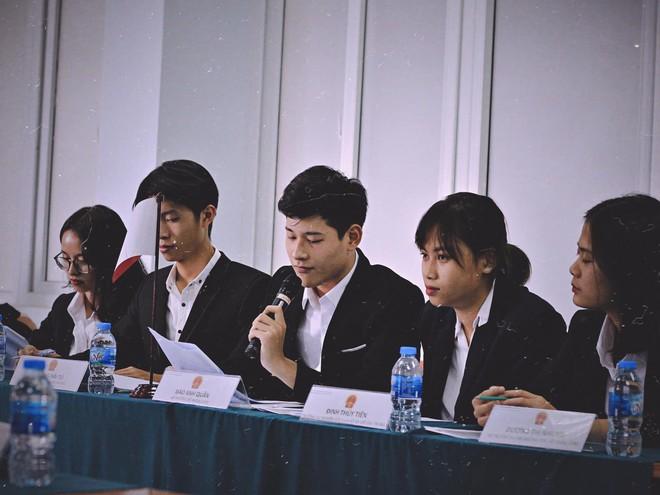 Chàng trai đa tài của Học viện Ngoại giao Việt Nam yêu du lịch, thích khám phá và ước mơ trở thành tiếp viên hàng không - Ảnh 4.