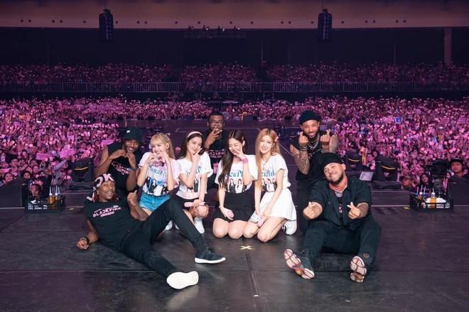 Doanh thu khủng từ các concert mới nhất của idol Kpop: BTS gấp đến 10 lần so với TWICE và BLACKPINK - ảnh 3