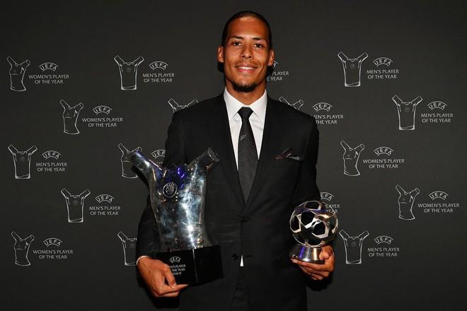 Trắng tay không có giải thưởng để khoe, Ronaldo vẫn có cách sống ảo kiếm về ngay 5 triệu lượt thả tim - Ảnh 2.