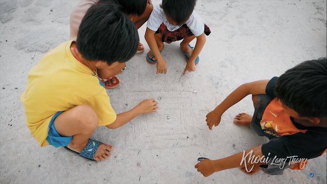 Khoai Lang Thang và kí ức về sân chơi tuổi thơ của tụi con nít nông thôn - ảnh 2