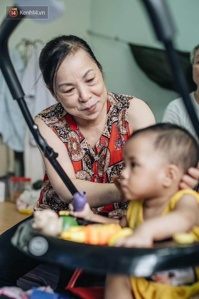 Nhật kí lần đầu làm bố mẹ của cặp vợ chồng U60 ở Hà Nội: Thỏ à, con là món quà vô giá! - ảnh 9