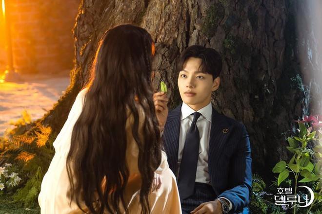 """Đâu chỉ CEO IU (Hotel Del Luna) mới là """"thánh"""" giữ crush, quản lí Yeo Jin Goo khi ghen cũng dữ dội không kém - Ảnh 8."""